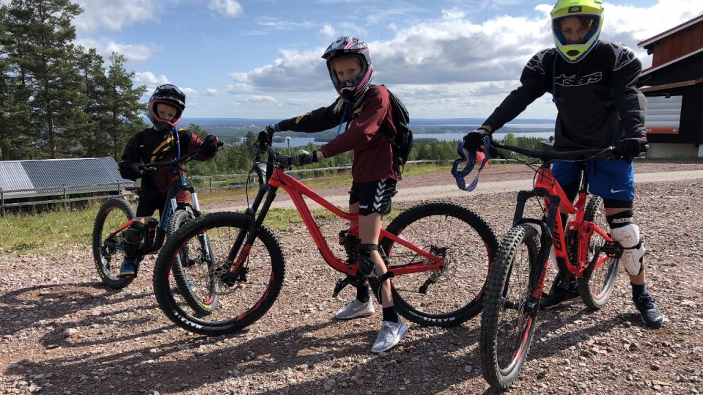 Gesunda Bike Park with the kids – Gesundaberget, Sweden